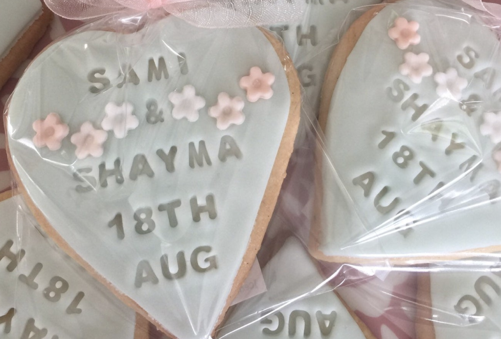 small gifts for wedding guests as favors